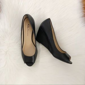 CL by LAUNDRY | Black Peep Toe Wedges Sz 9
